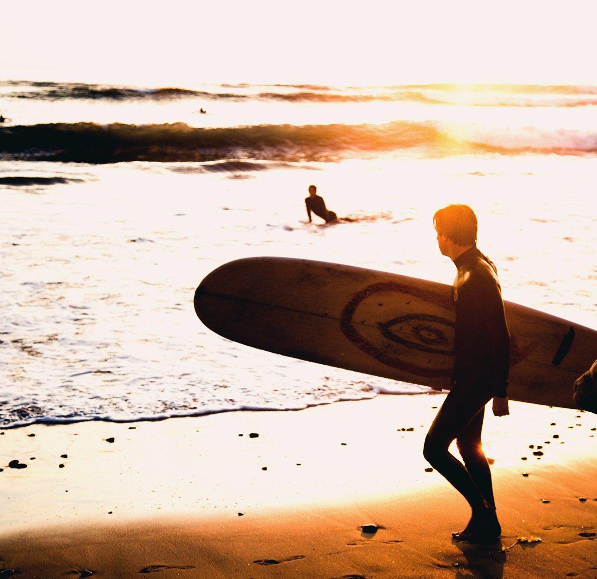 surfer-beach